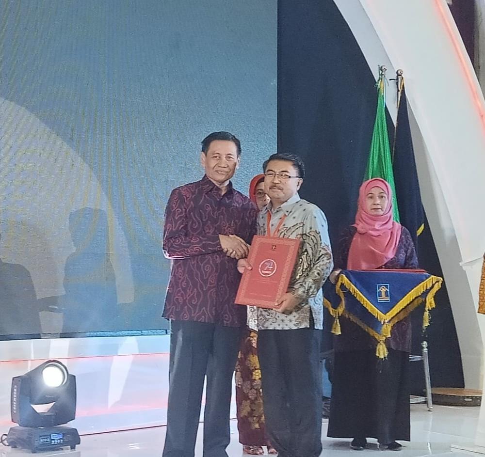 Pemerintah Kabupaten Kepulauan Sangihe menerima penghargaan Kabupaten/Kota Peduli HAM Tahun 2019 yan